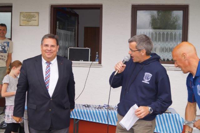 MdL Herbert Woerlein unterstützt die Jugendabteilung